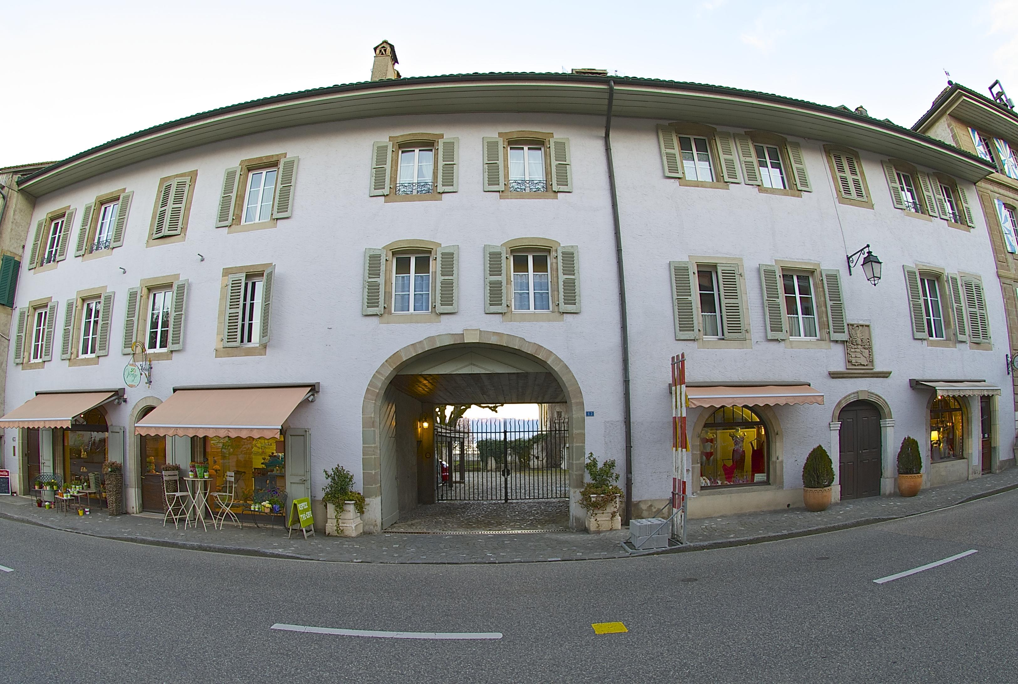 Arcade Bourg de Coppet